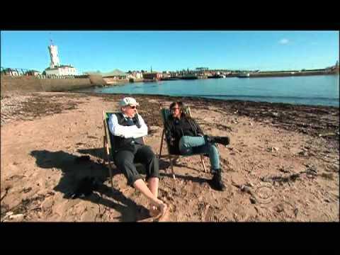 Craigie and Rashida enjoy the Scottish Riviera